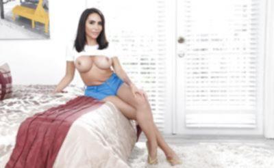 Очень сексуальная порнозвезда Lela Star