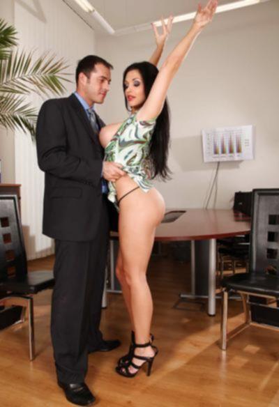 Горячий секс в офисе