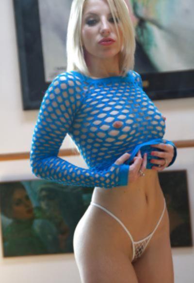 Ивана Шугар русская блондинка с большой попой